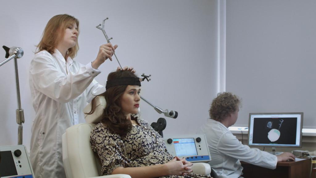 Съёмки фильма в лаборатории транскарниальной магнитной стимуляции НИУ ВШЭ. Октябрь, 2015