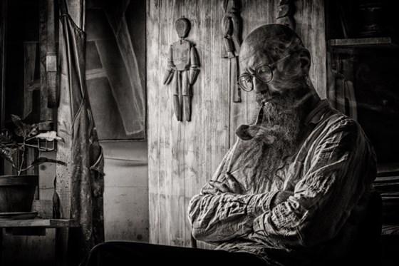Макс Духанов. Портрет сценографа Максима Исаева.