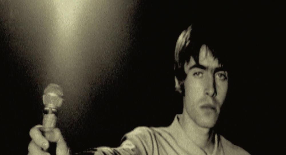 "Кадр из фильма ""Oasis: Supersonic"""