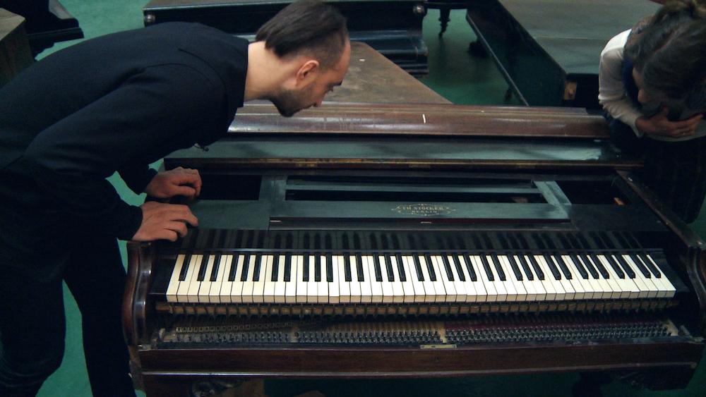 """Кадр из фильма """"Вариации для Рояля"""""""