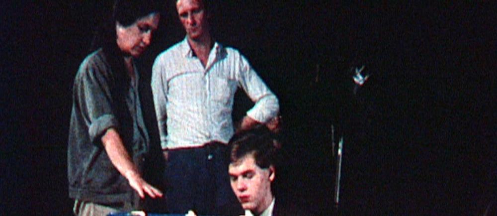 """Кадр из фильма Жан-Мари Штрауб и Даниэль Юйе работают над фильмом по неоконченному роману Франца Кафки «Америка»"""""""