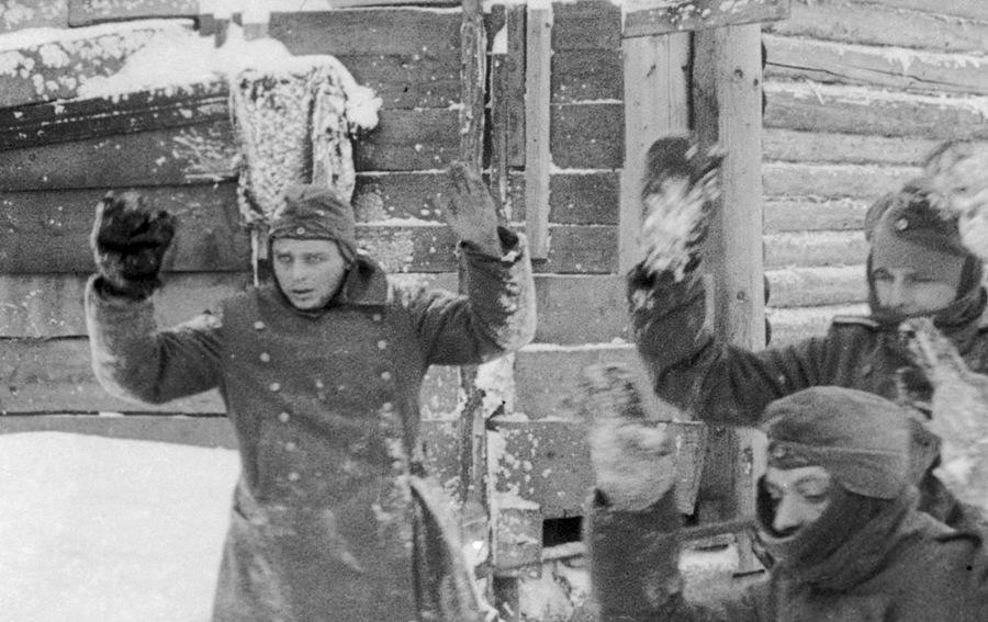 """Кадр из фильма """"Разгром немецких войск под Москвой"""""""