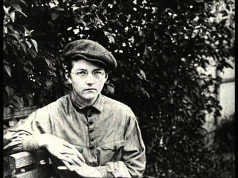 """Кадр из фильма """"Дмитрий Шостакович. Альтовая соната"""""""